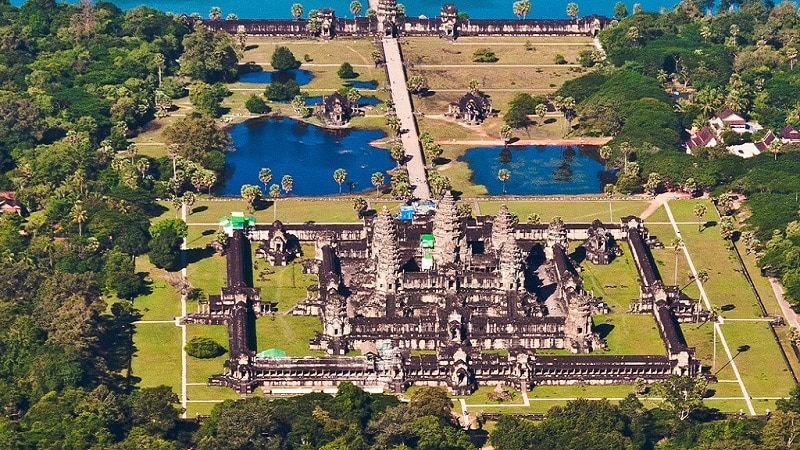 Découvertes, Cités médiévales, Angkor Wat