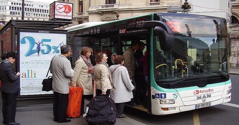 Entraide dans les transports en commun Faciligo