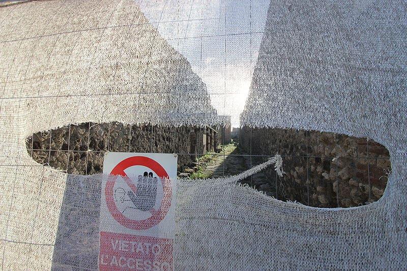 Accès interdit, Pompéi