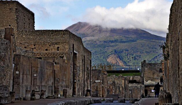 Pompéi, un voyage intemporel dans la cité perdue et en péril
