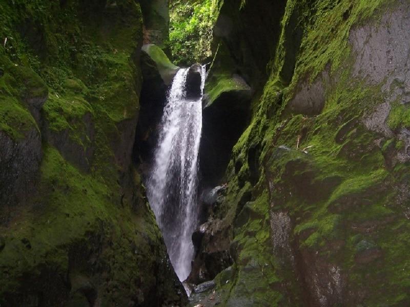 L'Ajoupa-Bouillon, cascade, Martinique