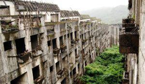 La mystérieuse ville fantôme sur l'île d'Hashima au Japon