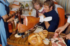 Les plateaux repas dans les avions dans les années 70