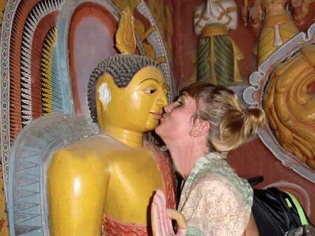 11 moments où les touristes ont regretté leur geste maladroit