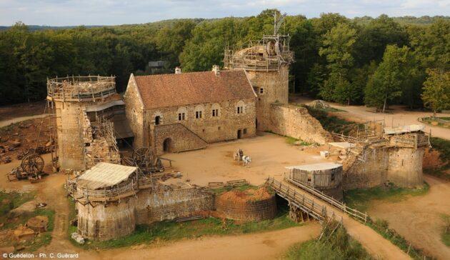 Visite du château médiéval de Guédelon, en construction depuis 20 ans