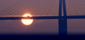 Viaduc de Millau avec coucher de soleil