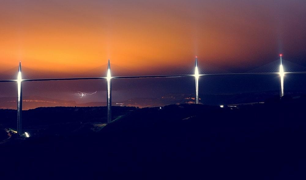 Viaduc de Millau de nuit