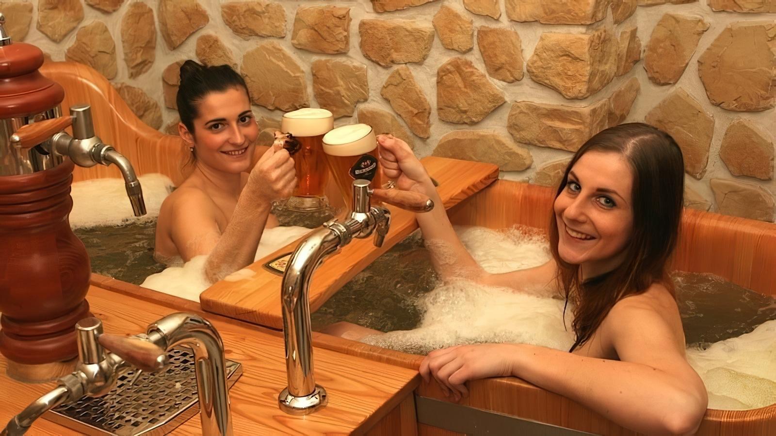 Et si vous preniez un bain de bière à Prague au Beer Spa ?