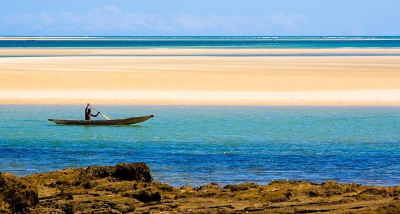 Une pirogue à Belo-sur-Mer