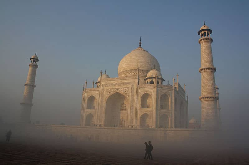 Le Taj Mahal un matin d'hiver