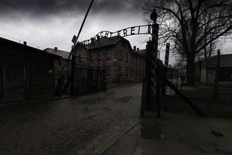Arbeit Macht Frei, Auschwitz