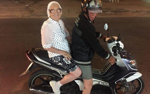 À 89 ans, cette grand-mère russe profite de sa retraite pour voyager
