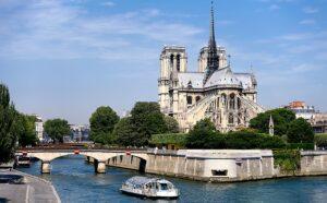 Croisière sur la Seine avec billet coupe-file