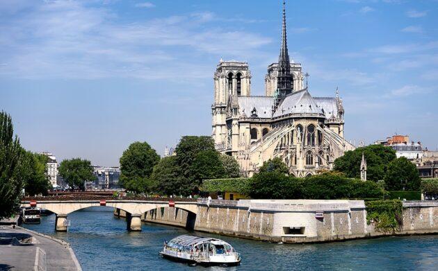 Croisière sur la Seine à Paris : réservations & tarifs