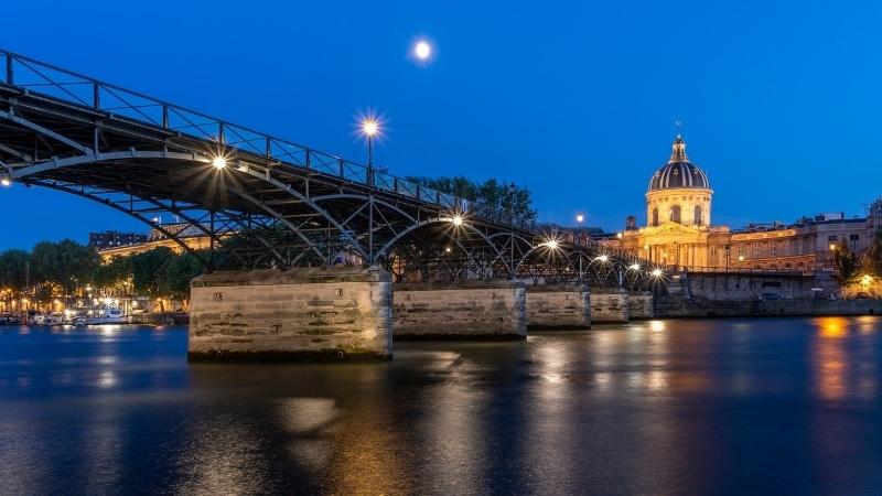 pont des arts de nuit paris croisiere seine
