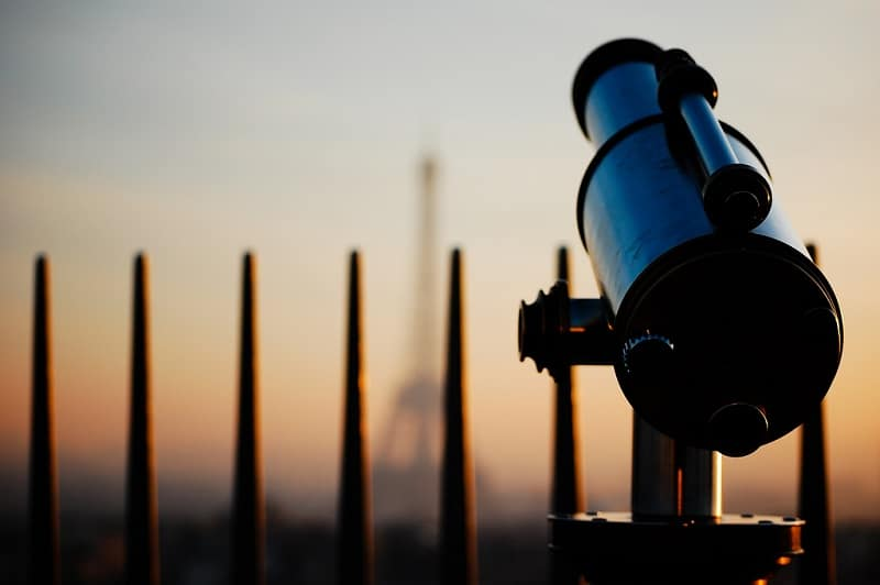 Télescope au sommet de l'Arc de Triomphe