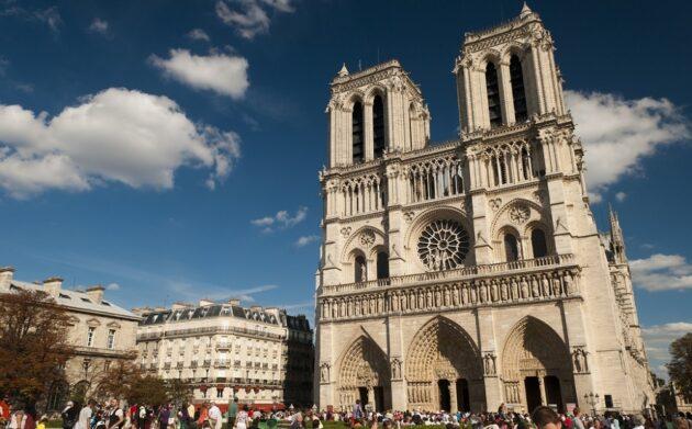 Visiter les tours de la Cathédrale Notre-Dame de Paris avec billet coupe-file
