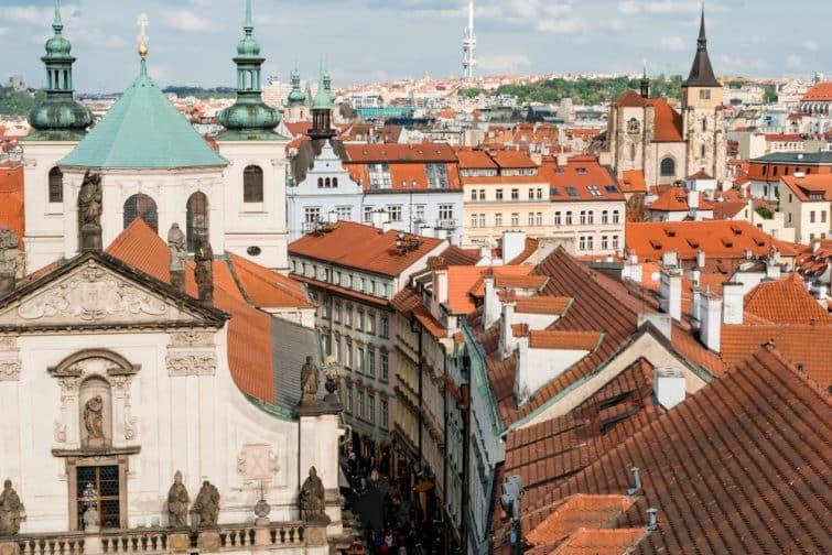Vue du vieux Prague depuis le Pont Charles