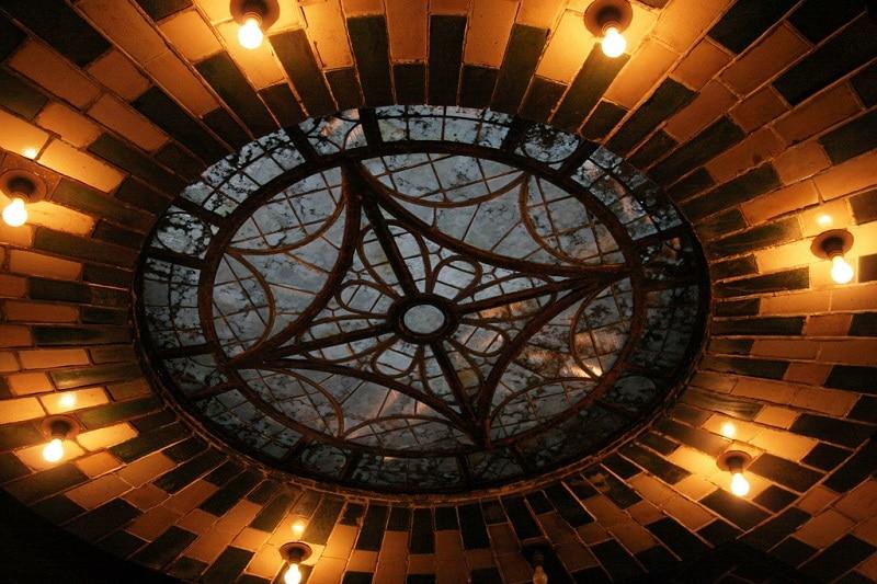 Lustre dans la City Hall Station, New York