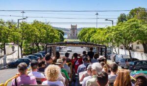 Visite de Lisbonne dans un bus à arrêts multiples