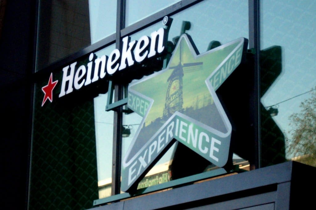 visiter le mus e heineken amsterdam l 39 heineken experience. Black Bedroom Furniture Sets. Home Design Ideas