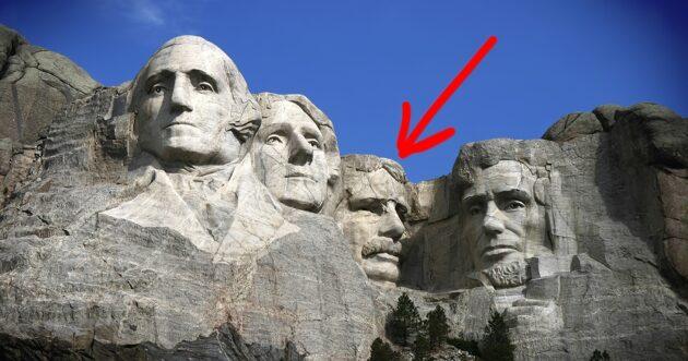 Mont Rushmore : l'histoire de la pièce secrète cachée derrière le visage d'Abraham Lincoln
