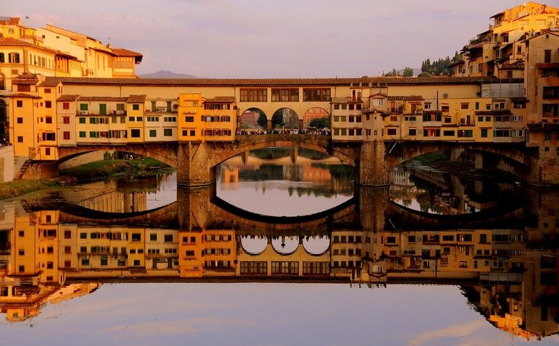 Loger Oltrarno, Florence