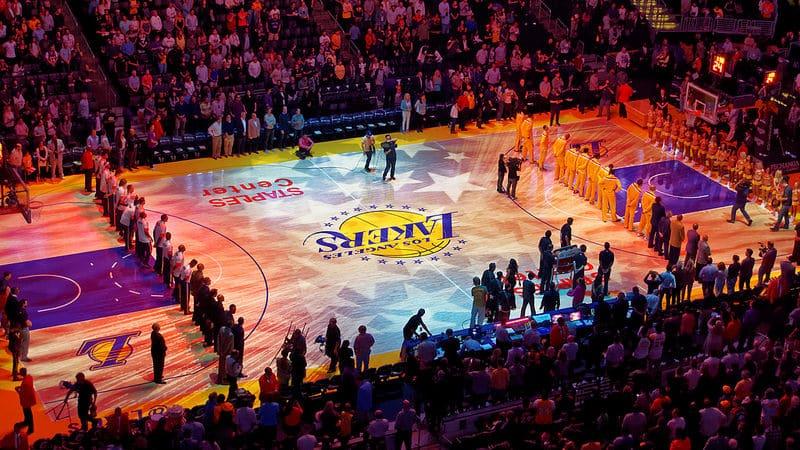 Match de basket des Los Angeles Lakers au Staples Center