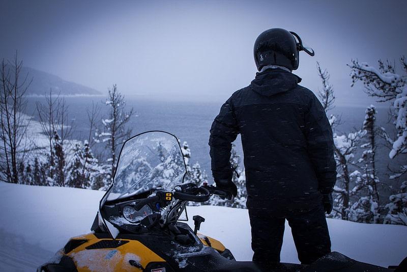 Motoneige, canada en hiver