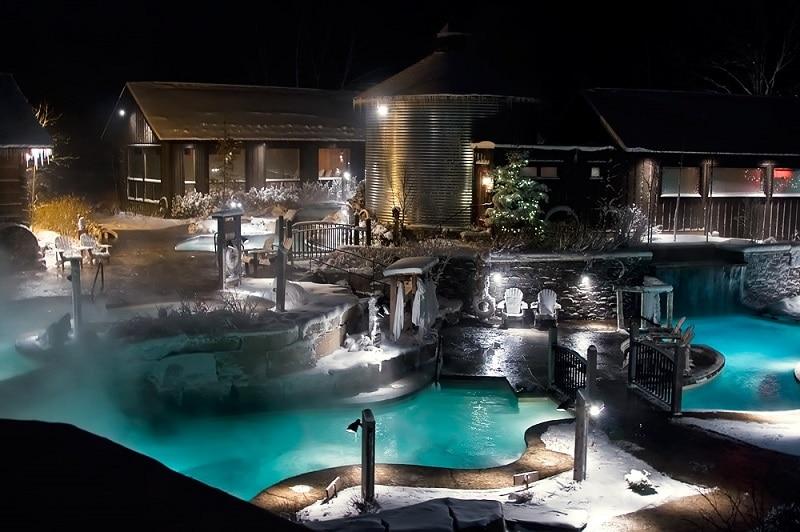 Spa, eau thermale, canada en hiver