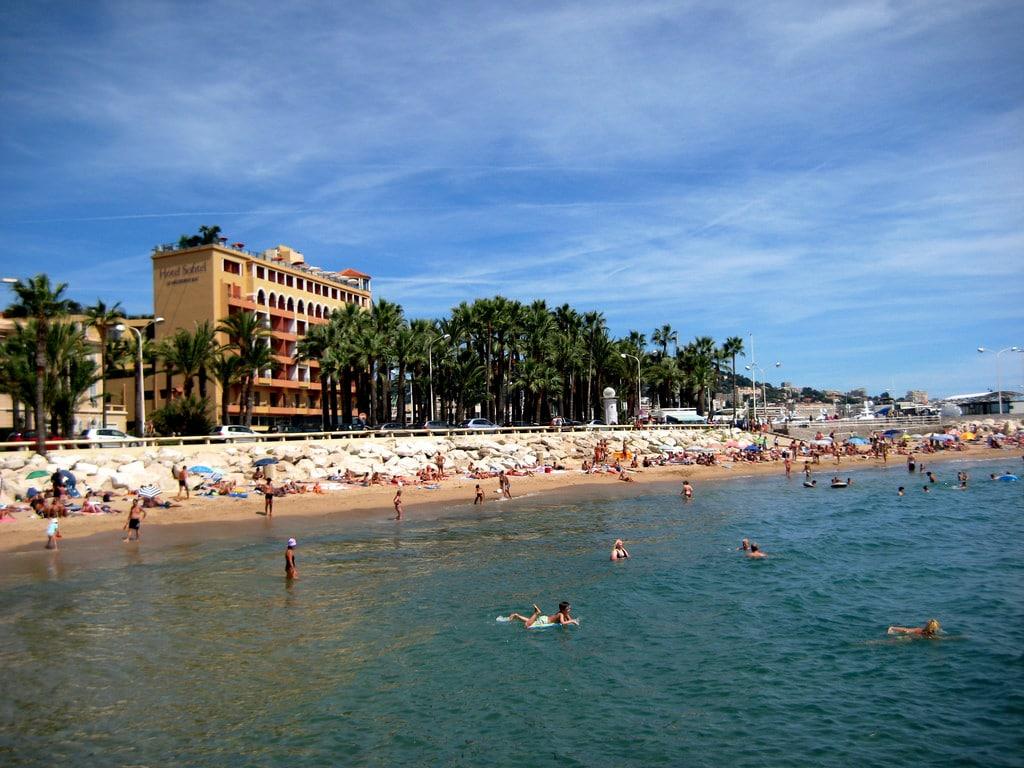 Visiter la France, Plage de Cannes