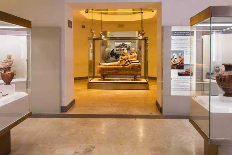Intérieur du Musée national étrusque de la Villa Giulia, Rome