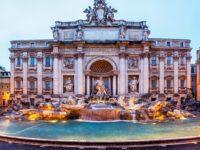 Pièces dans la Fontaine de Trevi, Rome