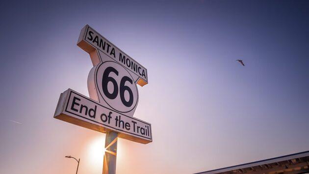Location de voiture à Los Angeles : conseils, tarifs, itinéraires