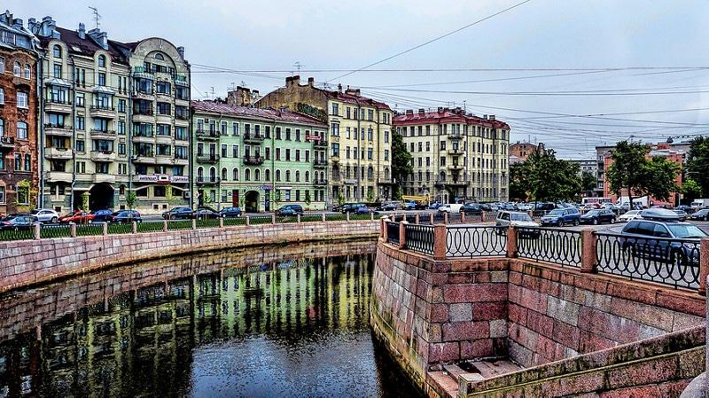 Pétrogradsky, loger à Saint-Pétersbourg