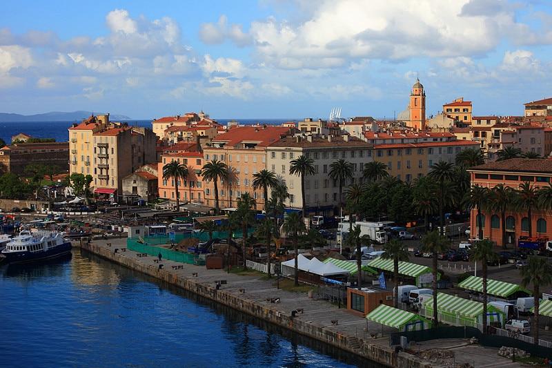 Ajaccio, loger en Corse