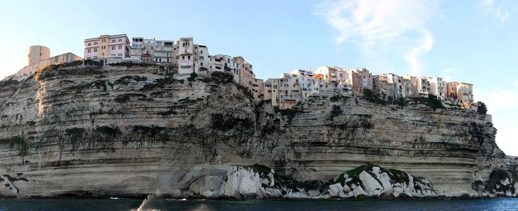 Bonifacio, loger en Corse