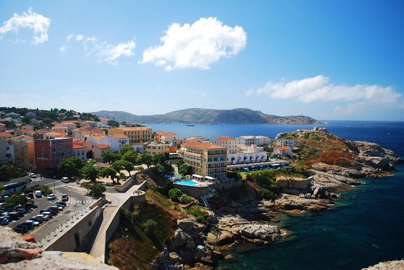 Calvi, loger en Corse