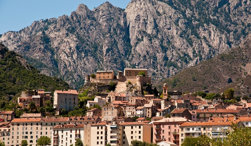 Corte, loger en Corse