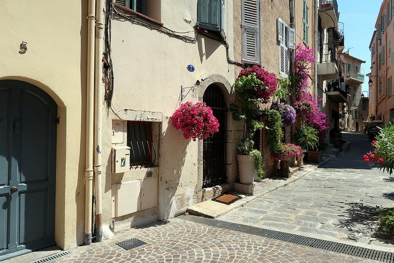 Le Suquet, loger à Cannes