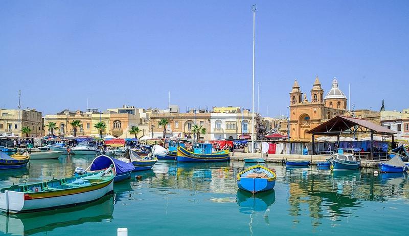 Marsaxlokk, loger à Malte