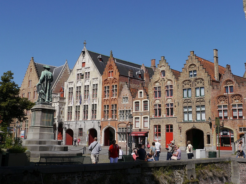 Jan van Eyckplein, loger à Bruges