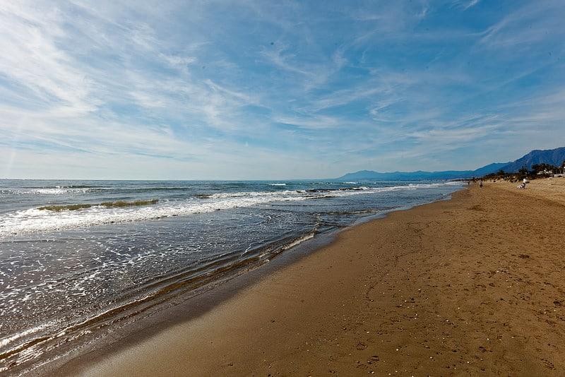 Playa de las Chapas, loger à Marbella