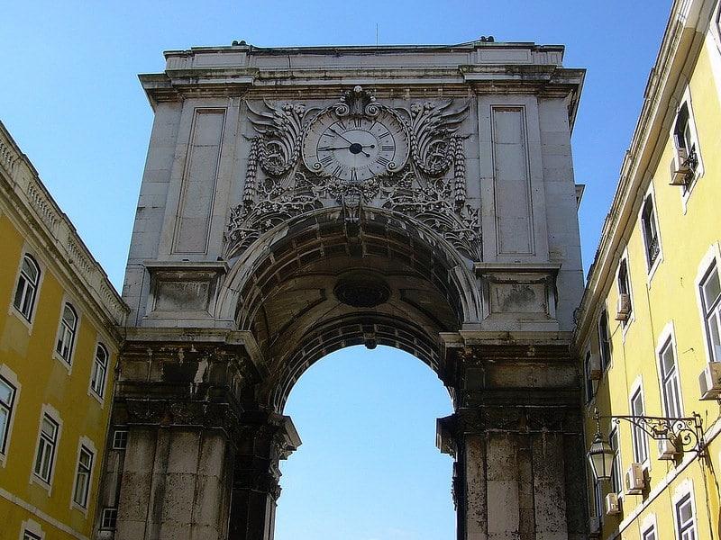 Horloge de l'arc de triomphe de la Rua Augusta à Lisbonne