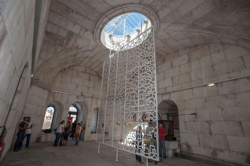 Intérieur de l'arc Rua Augusta à Lisbonne