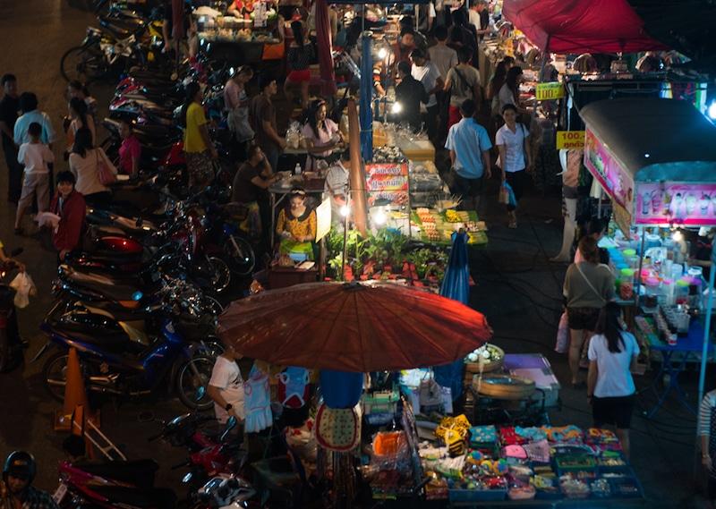 Loger à Chiang Mai, Night Bazaar