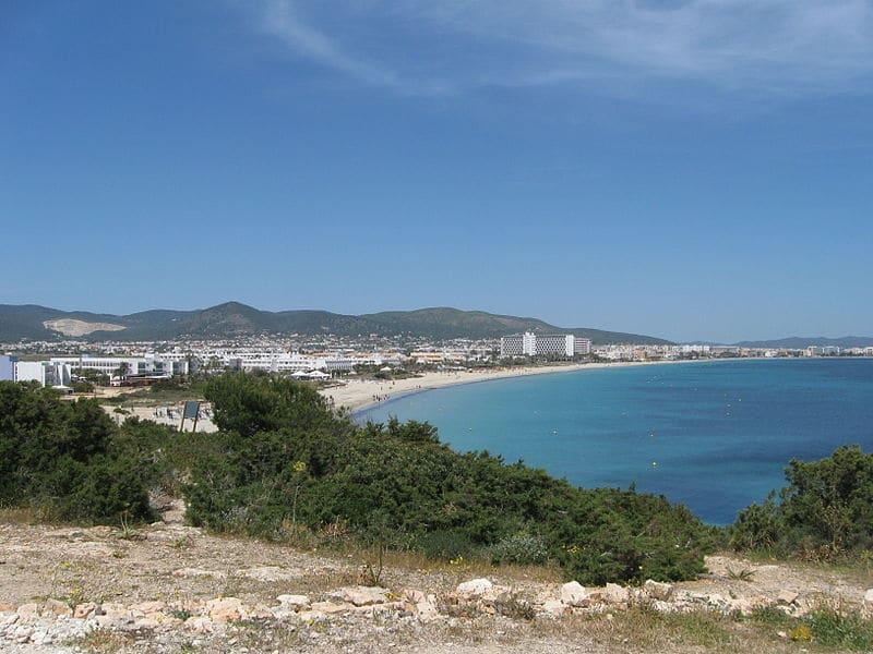 Platja D'En Bossa, Loger à Ibiza