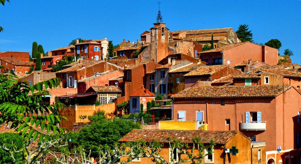 Village France 16, Roussillon