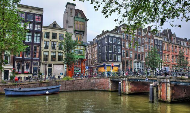 Comment aller à Amsterdam en train depuis Paris ?