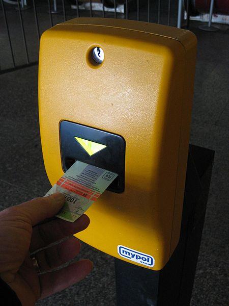 Composter son ticket de transports à Prague